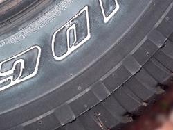 タイヤの危険信号は出ていませんか?